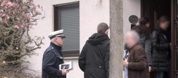 Policías en la casa del copiloto Andreas Lubitz