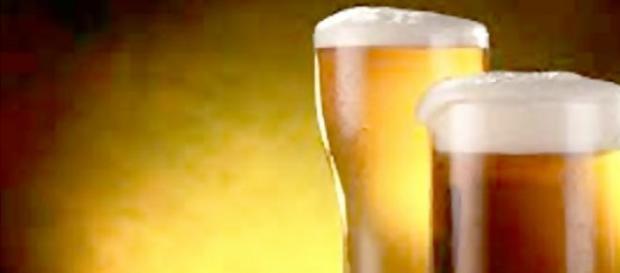 Cervezas servidas en distintos tamaños