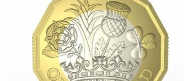 La cruz, de la nueva moneda de una libra