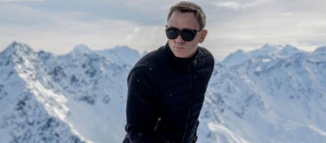 Daniel Craig is 007 again in 'Spectre'.