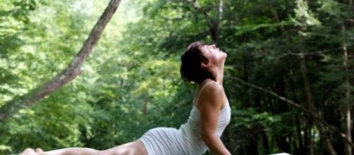 Hacer yoga trae múltiples beneficios a la salud