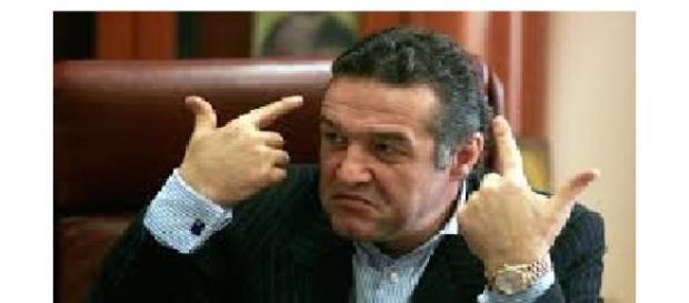 Gigi Becali se spovedește națiunii