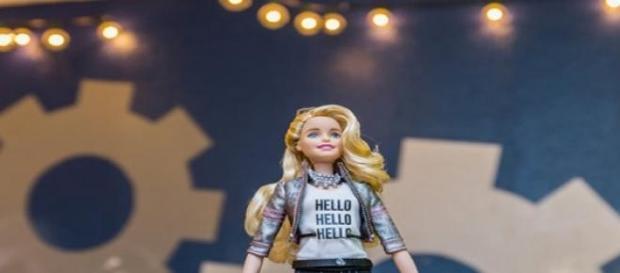 Hello Barbie, va beneficia de tehnologia Toyalk