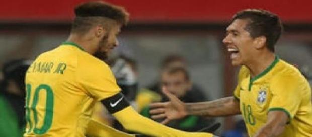 Roberto Firmino comemora o único gol da partida