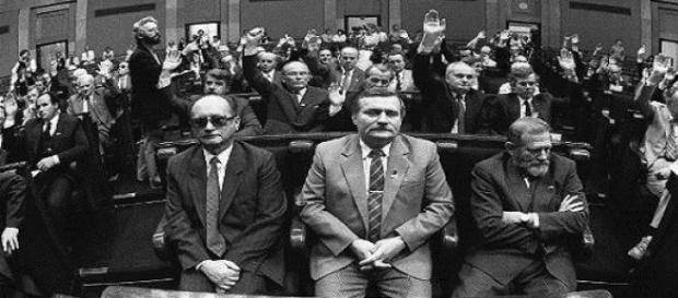 Teatr polityczny pt. demokracja