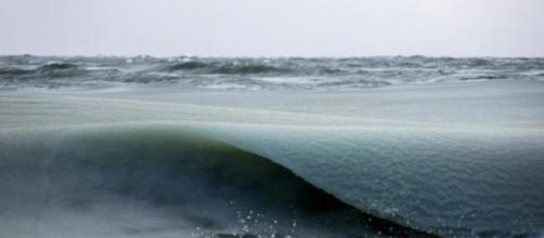 Ondas congeladas na ilha de Nantucket