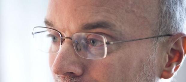 Piere Bosset imparte una Conferencia en la UV