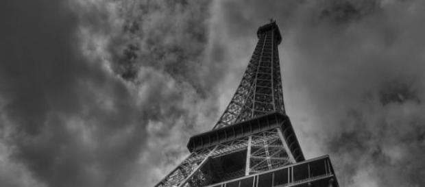 Turnul Eiffel, simbolul Parisului și al Franței