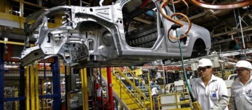 O setor industrial sobe índice de produção em 2%.