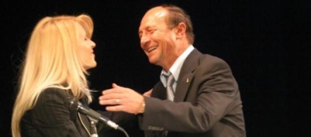A tradat-o Basescu pe Udrea?