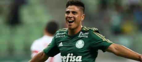Palmeiras shirt full of sponsors