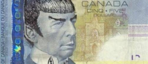 Cabelo e orelhas pontiagudas caracterizam Mr Spock