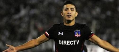 Paredes foi o homem do jogo com dois gols