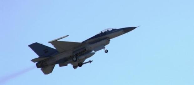 F-16 portugueses em operações no âmbito da NATO.