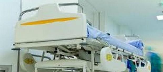 Lit d'hôpital, grippe, hospitalisation