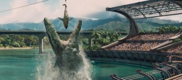 Mosasaurus alimentado en el acuario