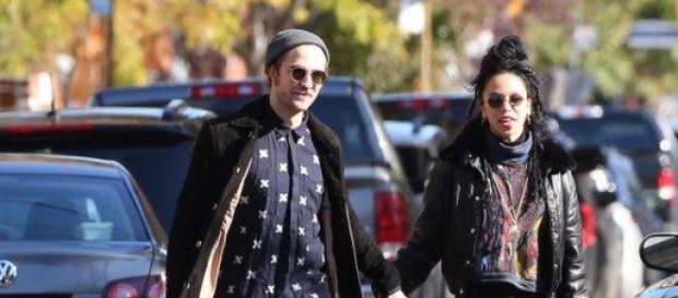 Robert Pattinson e FKA twigs (Foto: POPSUGAR)