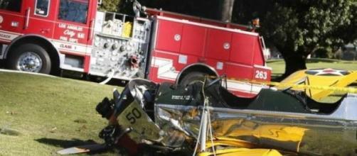 Ator Harrison Ford sofre acidente de avião