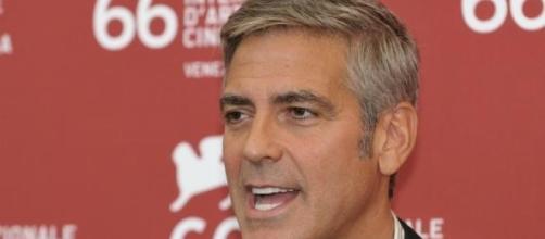 George Clooney tiene problemas con su matrimonio.