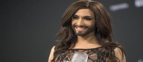 La gagnante de l'Eurovision prépare un album.
