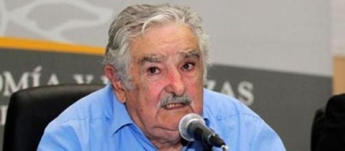 Mujica conversou com ex-prisioneiros