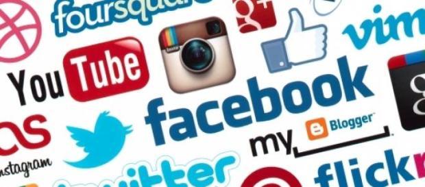 A través de social media el rey vive
