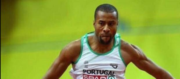 Nelson Évora foi o terceiro da qualificação