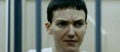 A Tenente Savchenko termina greve de fome.