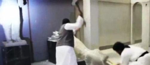 Destruição no Museu de Mosul