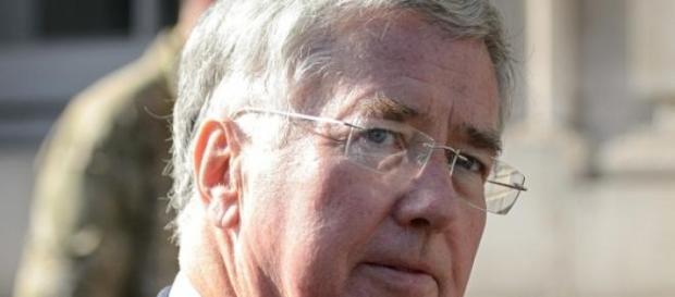 Michael Fallon, secretarul Apararii din UK