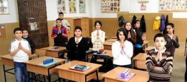 religia in scoli nu este obligatorie