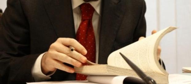 Vagas de estágios para alunos do curso de Direito