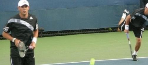 Bryan brothers kept Davis Cup tie alive...just!