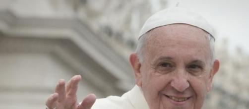 Papa Francisco felicita mulheres após oração