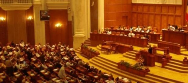 Incepe lupta in Parlament
