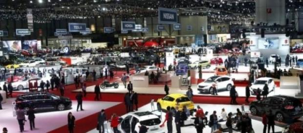Visão da feira do automóvel em Genebra