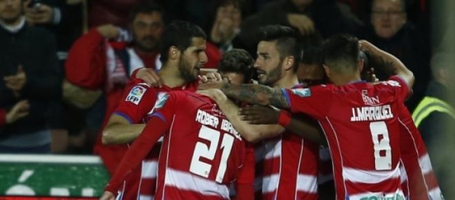 El Granada celebran el gol de la victoria