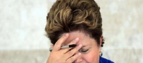 Dilma é vaiada durante pronunciamento em todo país