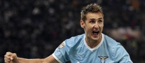 Klose esulta. La Lazio è terza