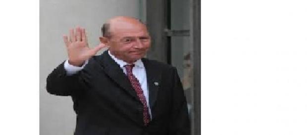 Basescu face declaratii la sediul PMP