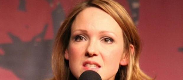 Carolin Kebekus teilt gegen Helene Fischer aus.