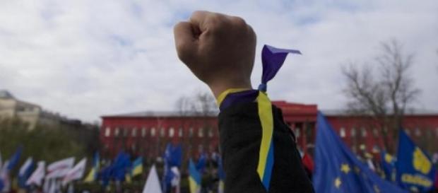 Cei mai multi dintre ucraineni vor sa fie neutri