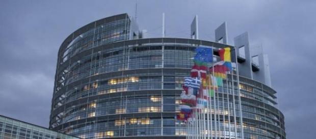 Juncker revela planos para criação de exército
