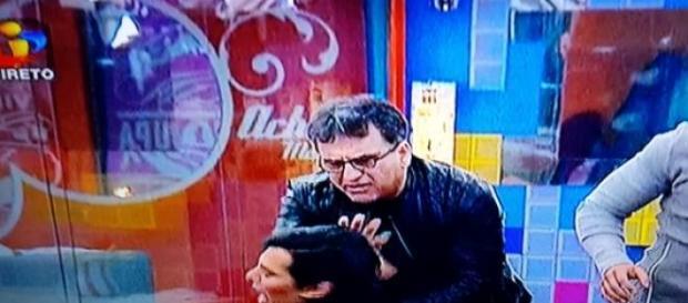 Momento da agressão de Zezé a Castelo Branco.