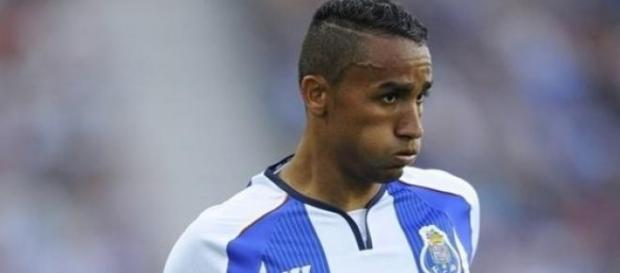 Danilo assinou com o Real Madrid até Junho de 2021