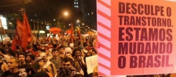 Manifestações no Brasil mostram o povo descontente