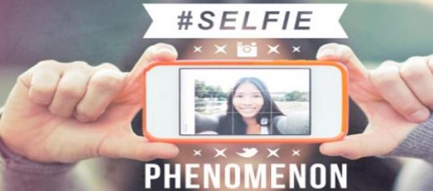Obsesia fotografiilor selfie