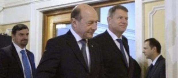 Postacul Basescu il ataca pe presedintele Johannis