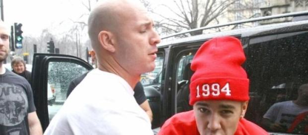 Justin Bieber é preso se for à Argentina.
