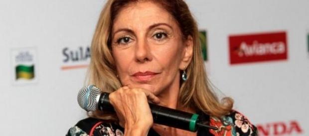 Marília Pêra tem ataque de estrelismo